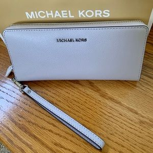 Michael Kors Leather Wristlet Wallet NWT